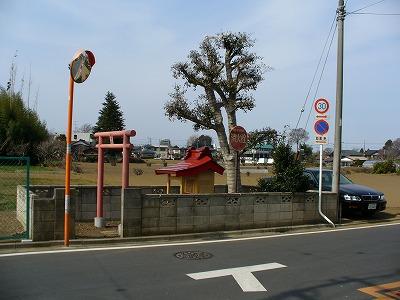 小さな稲荷神社